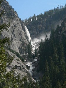 2013-10-20 Illilouette_Fall_08911 Yosemite National Park - Wikimedia Commons (480x640)