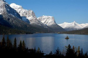2013-10-20 Saint_Mary_Lake_and_Wildgoose_Island - Wikimedia Commons (600x399)
